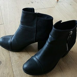 H&M black booties size 8 great condition